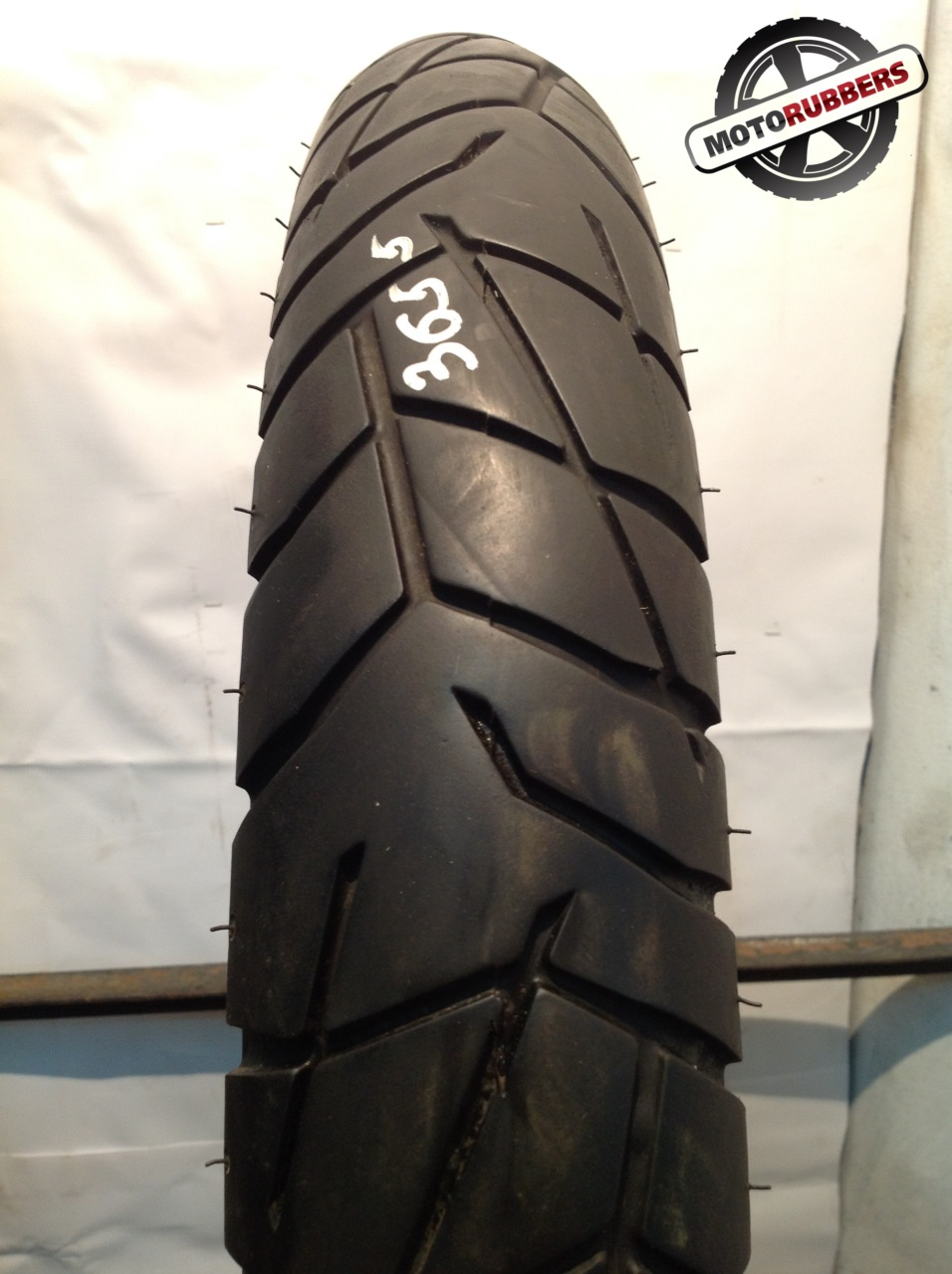 100/90 R19 Pirelli scorpion trail