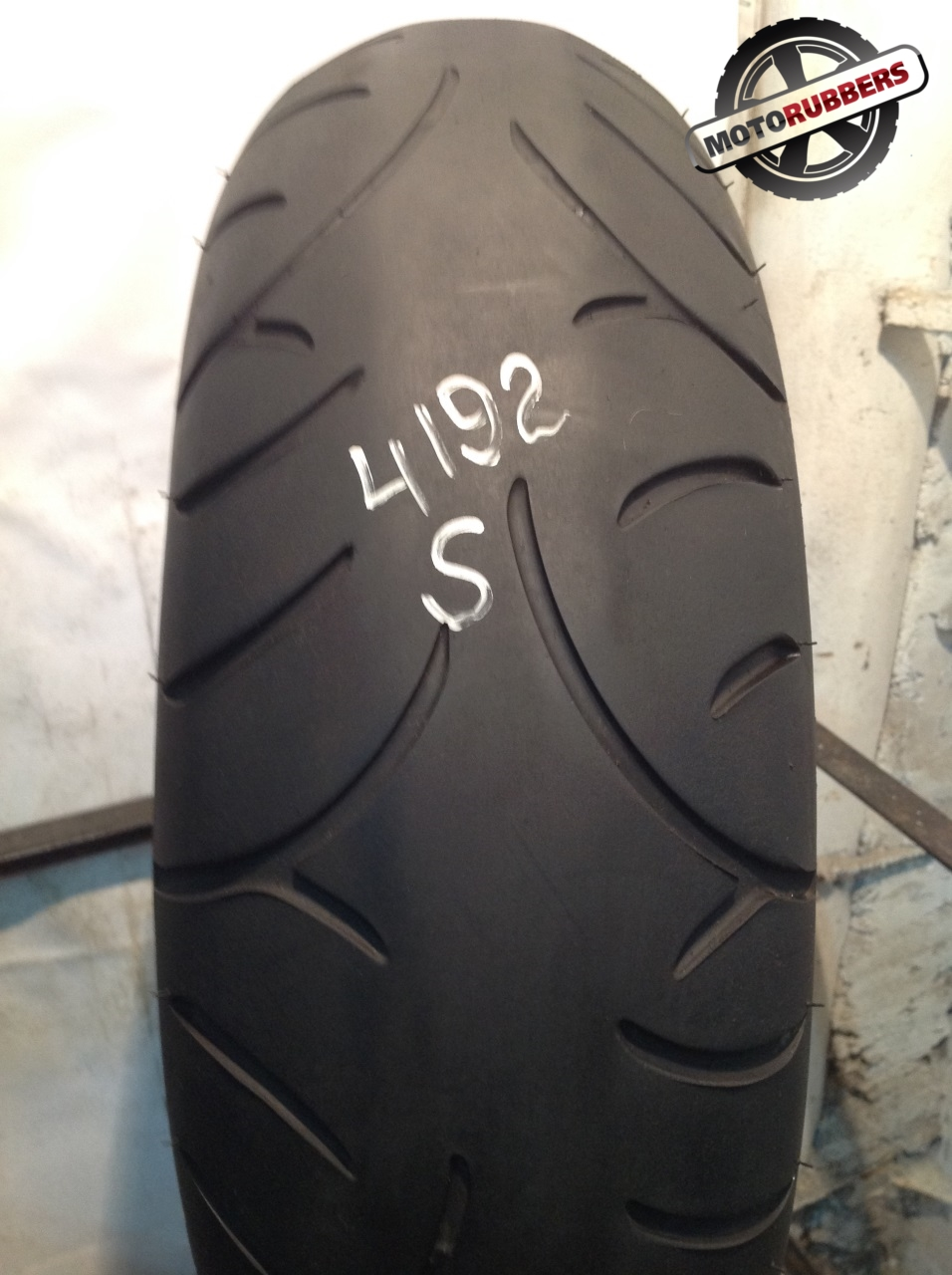 190/55 R17 Bridgestone bt 21r