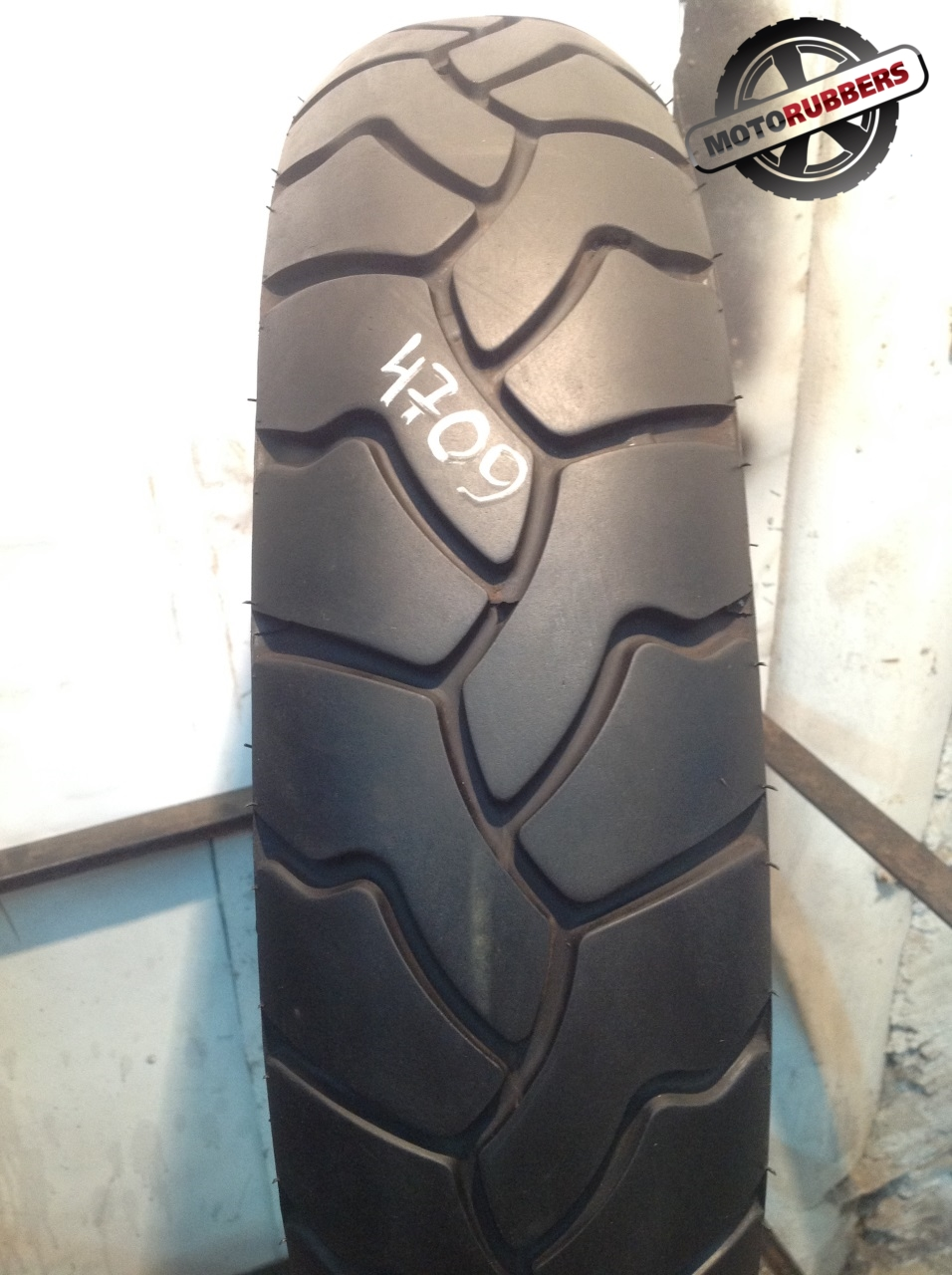 130/80 R17 Bridgestone battle wing 502