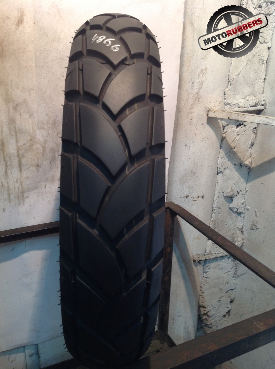 130/80 R17 Michelin anakee