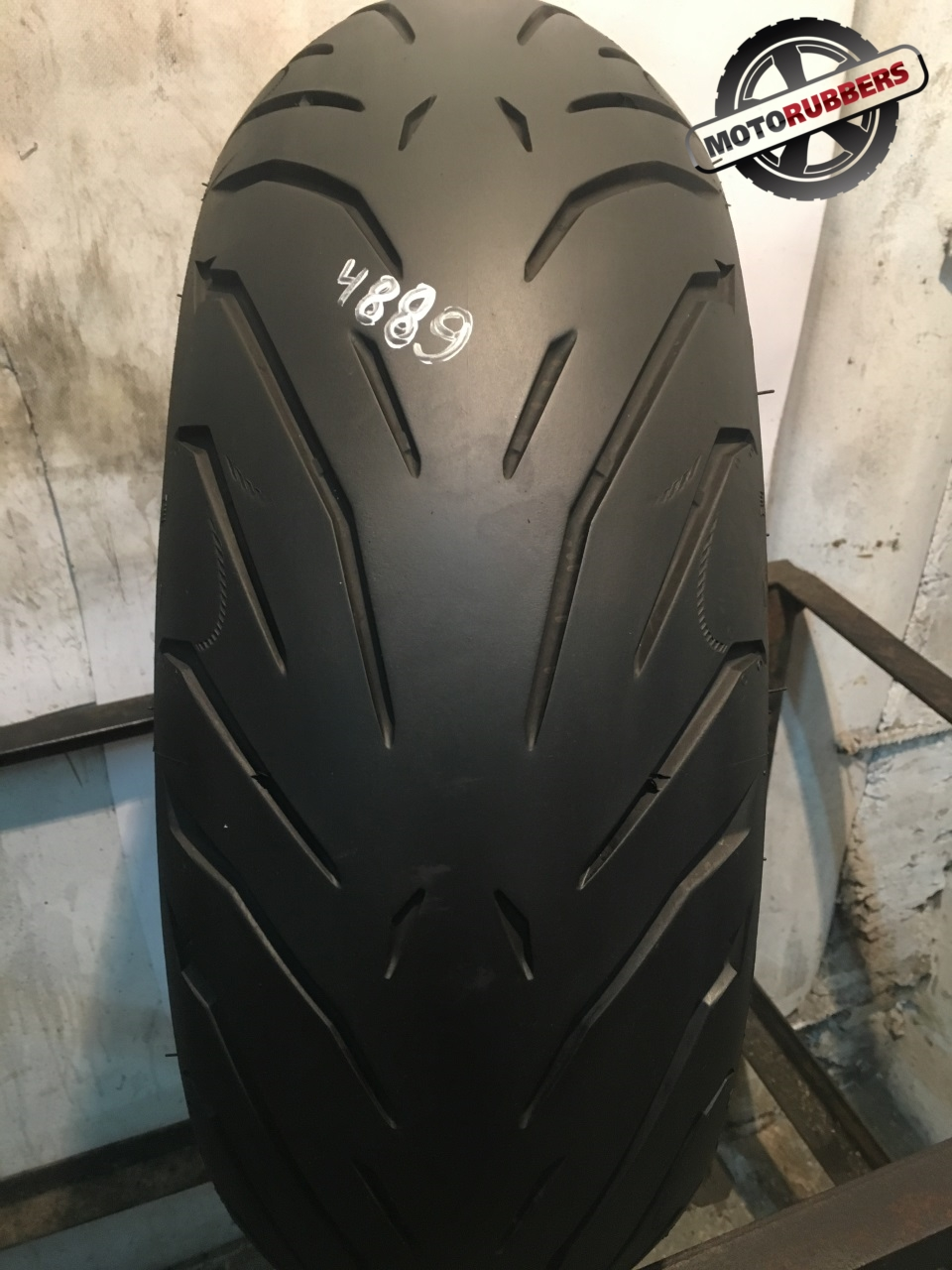 180/55 R17 Pirelli angel st