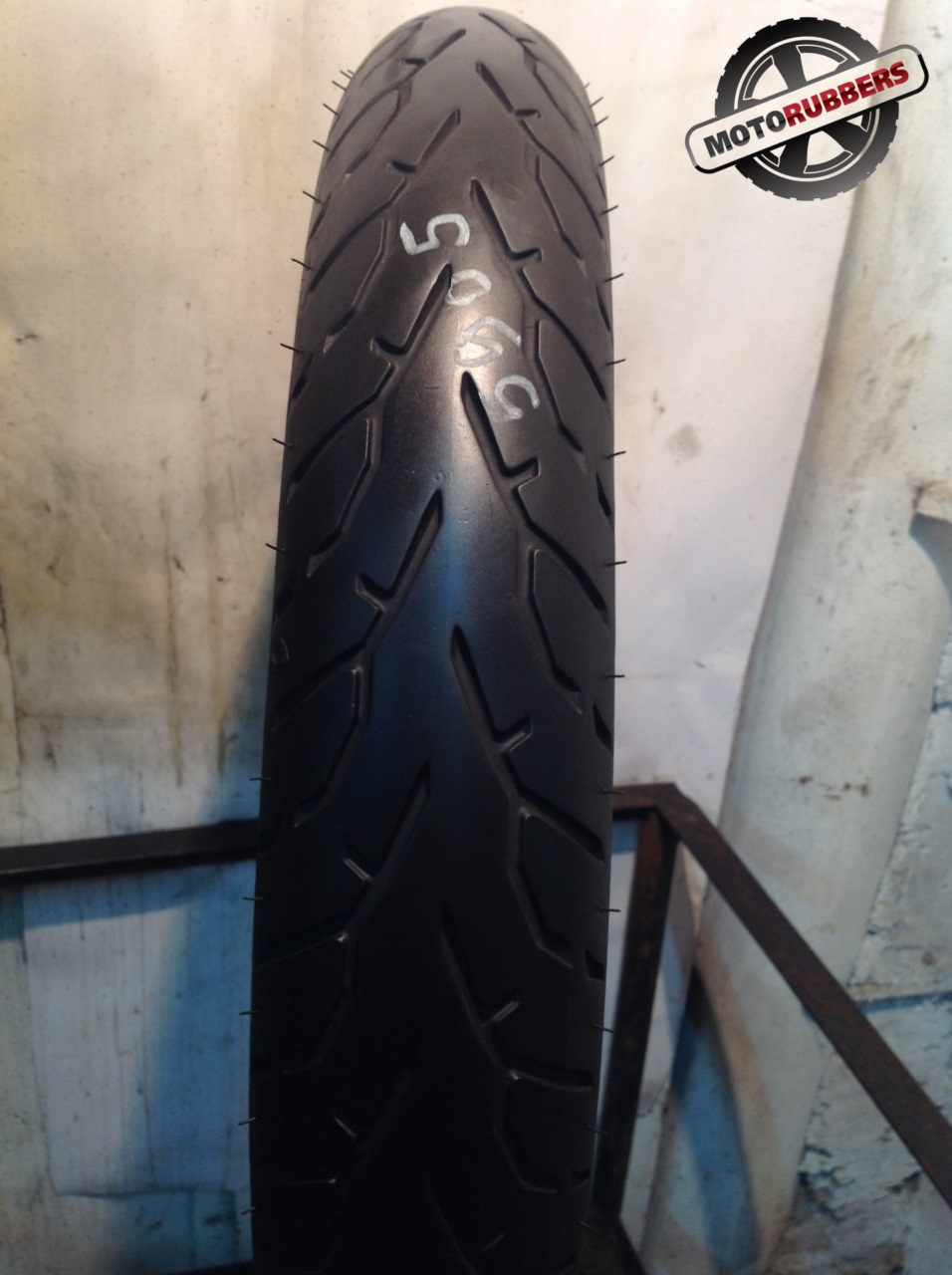 100/90 R19 Pirelli night dragon