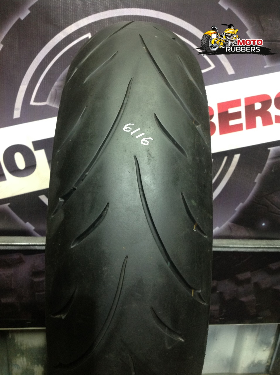160/60 R17 Dunlop qualifier